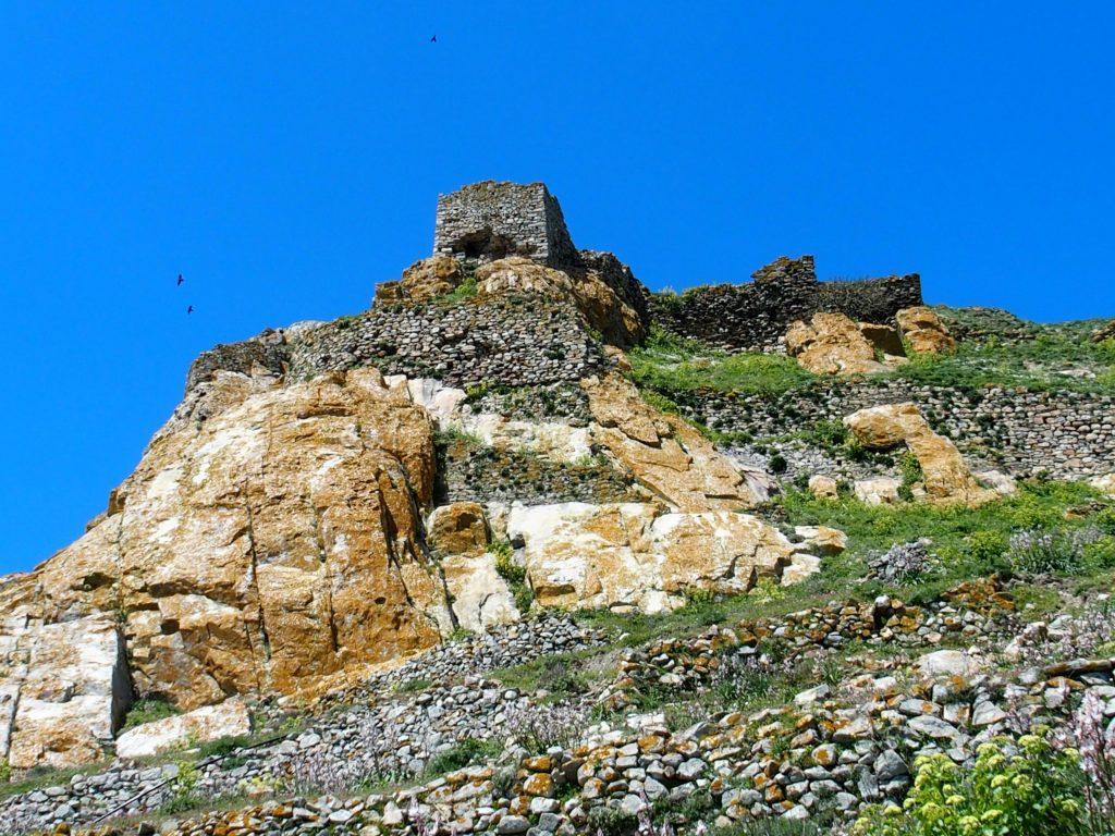 L'exomvourgo, le sommet mythique de l'île